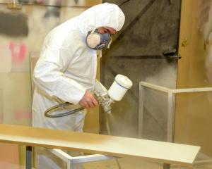 spray lacquer wood